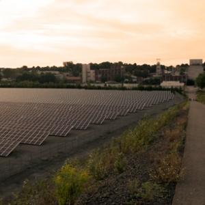 Solarenergieanlage an der ehemaligen Grube Göttelborn, Foto: Ulrich Höfer