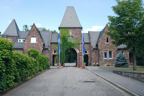 Toreinfahrt vom Schloss Halberg, Saarbrücken, Foto von Uwe Büch